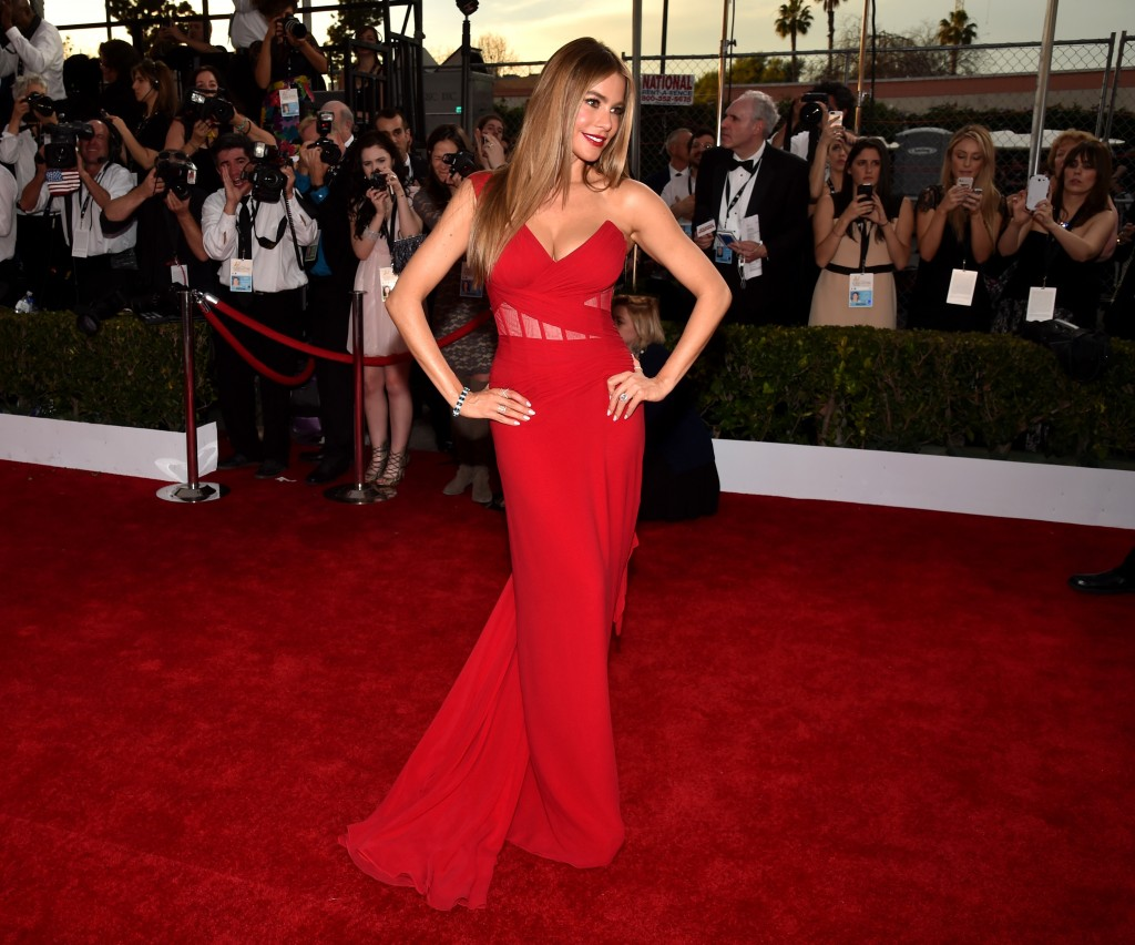 Sofia Vergara Vita Liberata pHenomenal tan SAG AWARDS 2015