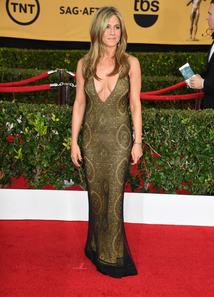 Vita Liberta Jennifer Aniston stunning tan at SAG Awards 2015