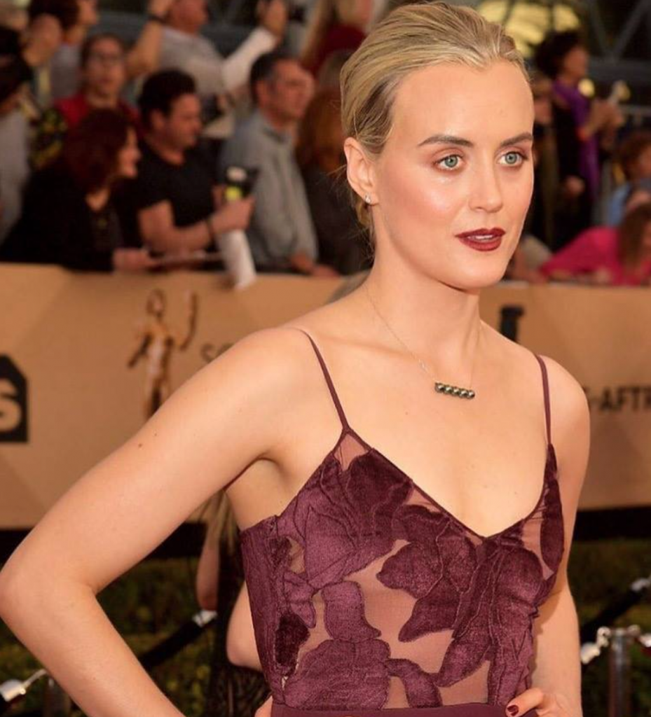 Taylor Schilling Goes For Bronze In Vita Liberata